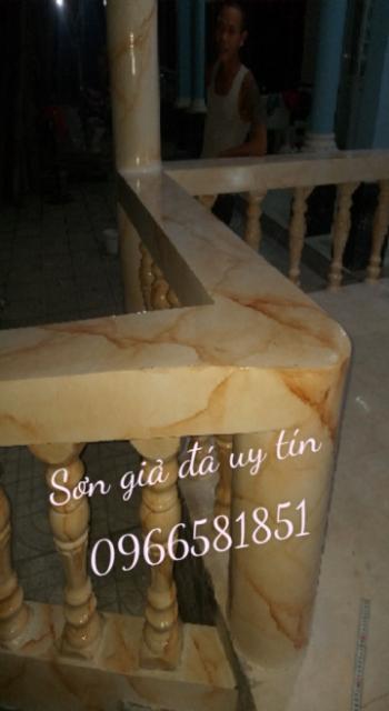 Cột giả đá cẩm thạch